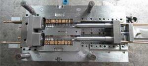 قالب تزریق پلاستیک همراه با جک هیدرولیک